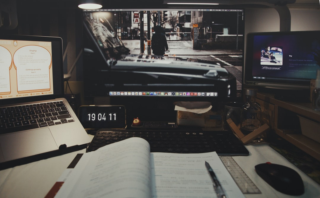 A screen shot of an open laptop computer sitting on top of a table